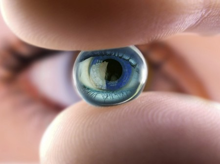 9371056002 Sobretodo cuando tenemos astigmatismos muy elevados, que con un pequeño  giro de la lente con el parpadeo produce una mala visión, ya que la lente  se ...
