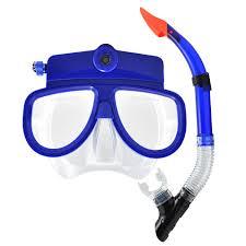 e57a115818 A estas medidas hay que añadir el uso de gafas de sol para evitar la  irritación por radiación ultravioleta y no compartir toallas con el fin de  reducir el ...