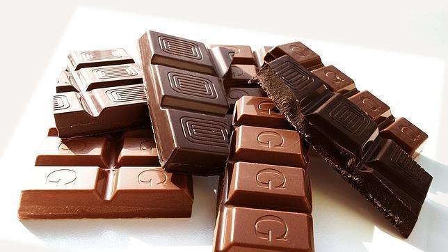 ¿Mejora el Chocolate Negro la Agudeza Visual y la Sensibilidad al Contraste?
